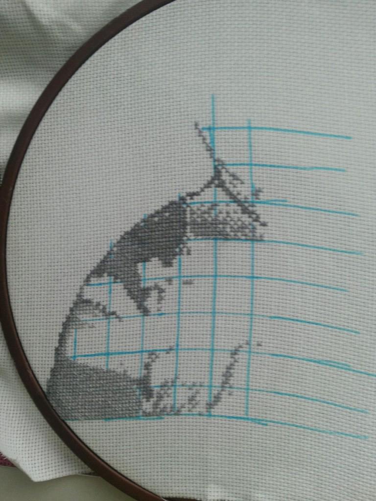 Вышивка крестом в белых тонах